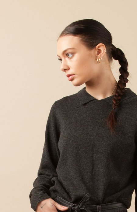 Solosix Sunday Collar Sweater - Charcoal