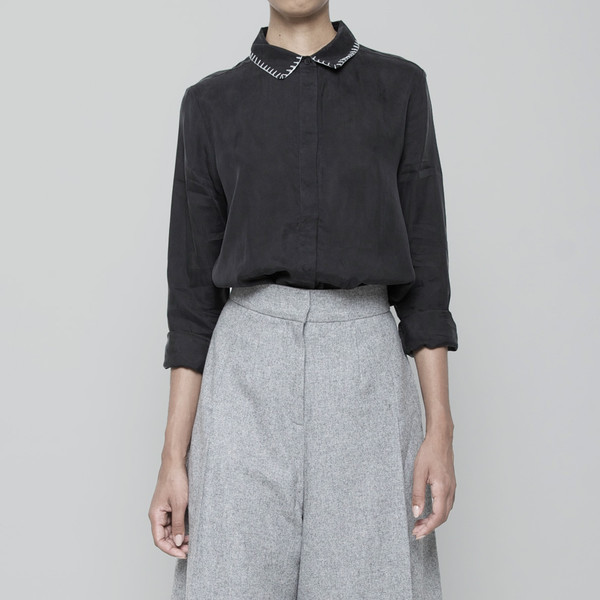 7115 by Szeki Stitched Collar Button Down