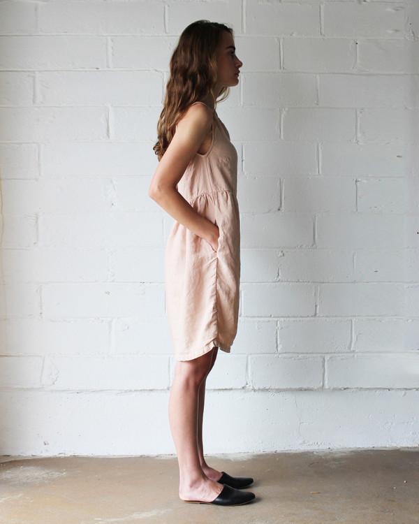 Esby QUINN BABYDOLL DRESS - BLUSH