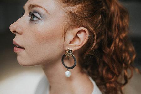 apse VIOLET EARRINGS