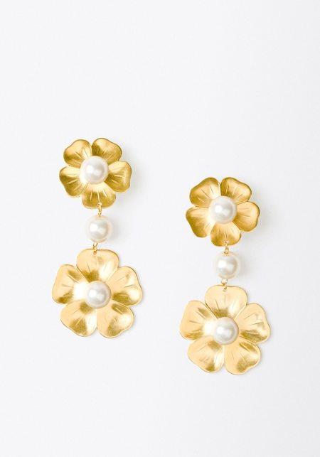 Aurelia Demark Flower and Pearl Clip On Earrings
