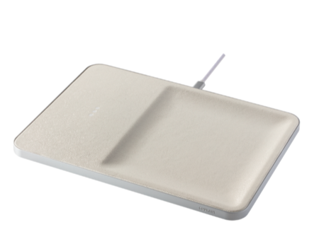 Courant WIRELESS LEATHER CHARGER AND ACCESSORY ORGANIZATION - BONE