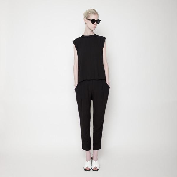 7115 by Szeki Signature Linen Gathered Trouser - Black