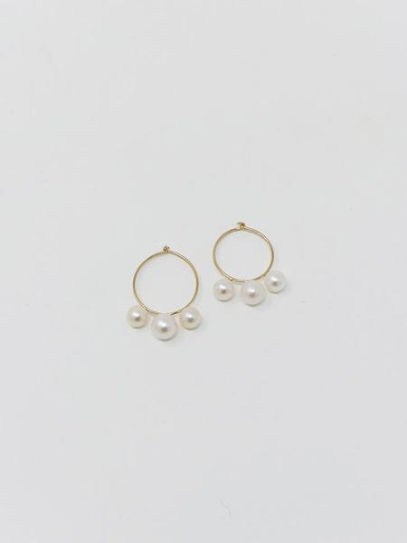 Saskia Diez 3 Pearl Hoop Earrings