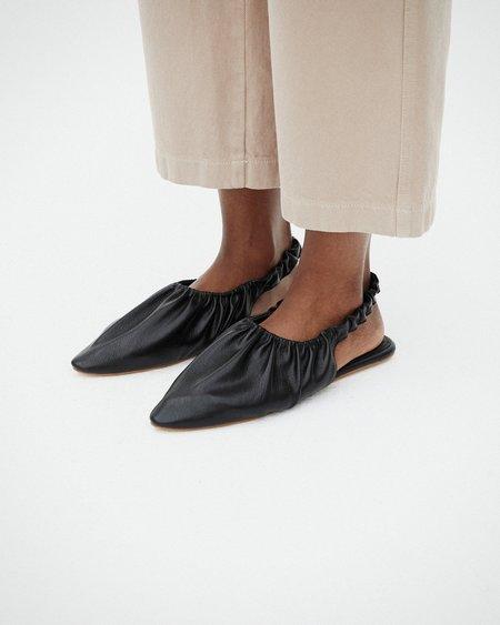 Nanushka ZUO Pointy flat slingback - Black