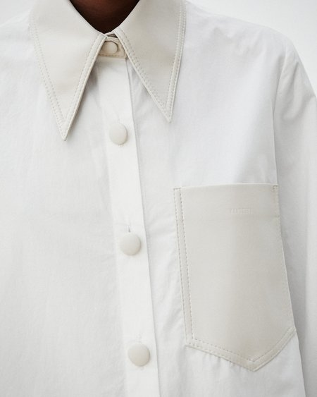 Nanushka IMARI Fabric blocking shirt - White creme