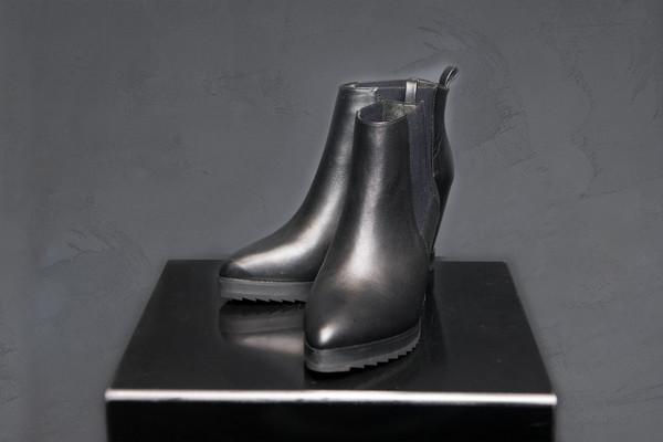 Claetyn Wood Wedge Boot