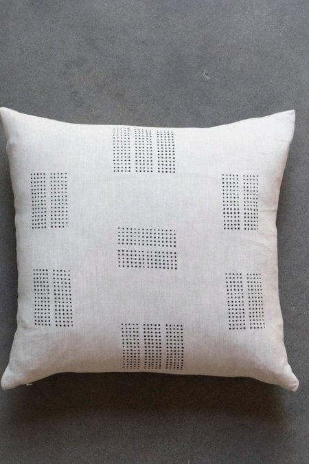 Kesslyr Dean Pillow - Mini Dot