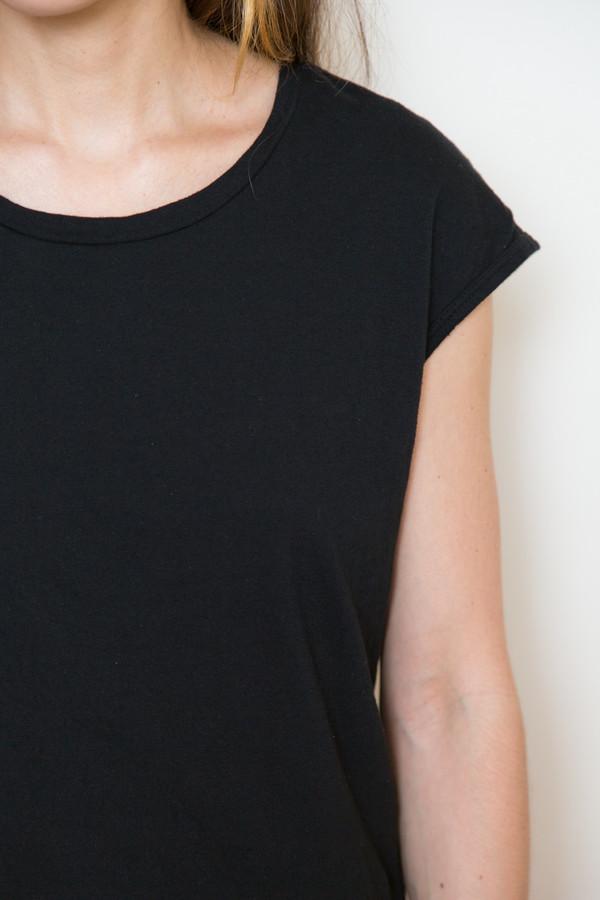 atelier delphine cap sleeve tee in black