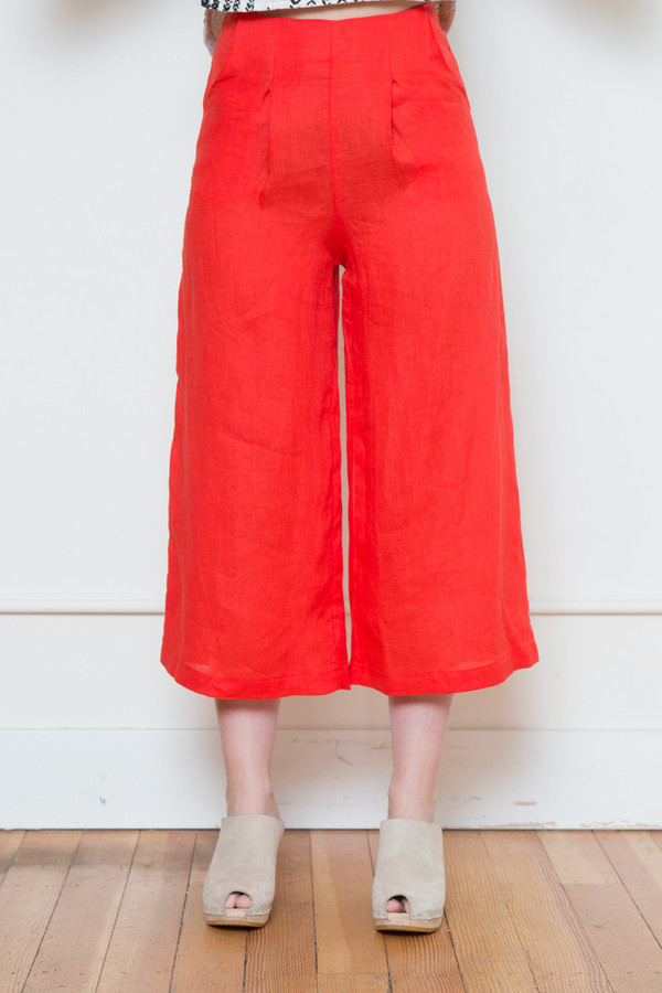 sam & lavi portia linen pant in red