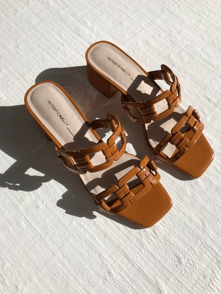 Intentionally Blank Sharpy Sandal - Tangerine