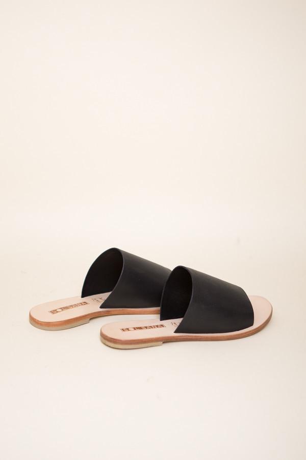Sol Sana Teresa ll Slide / Black Leather