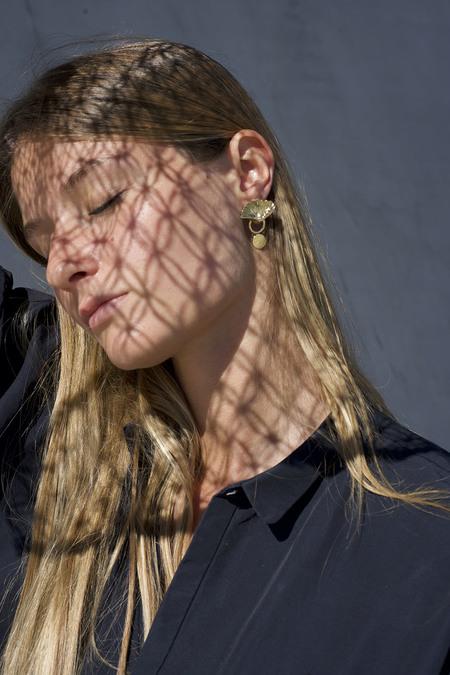 Anne Thomas Cap Ferret Earrings w/o Pearl - 18k Gold