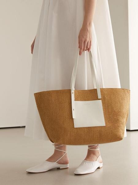 AND08 Earthy Bag - White