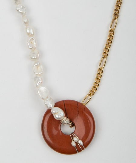 Hotel Amour Necklace Figaro Chain and Pearls - Red