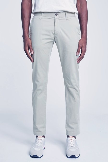 Closed Clifton Skin Chino - Dried Reed