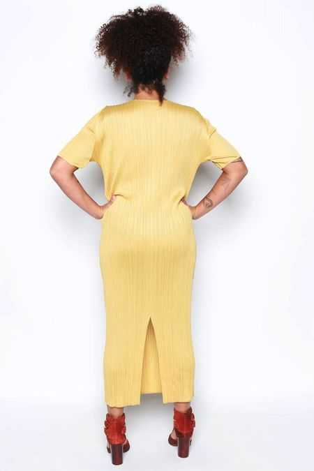 Issey Miyake Short Sleeve Dress w/ Slit - Sand Yellow
