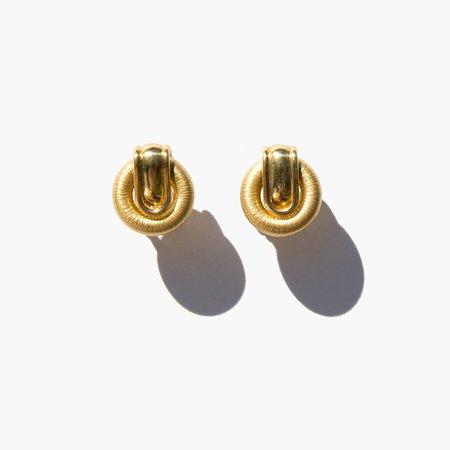 Vintage Kindred Black Shimada Earrings - Gold