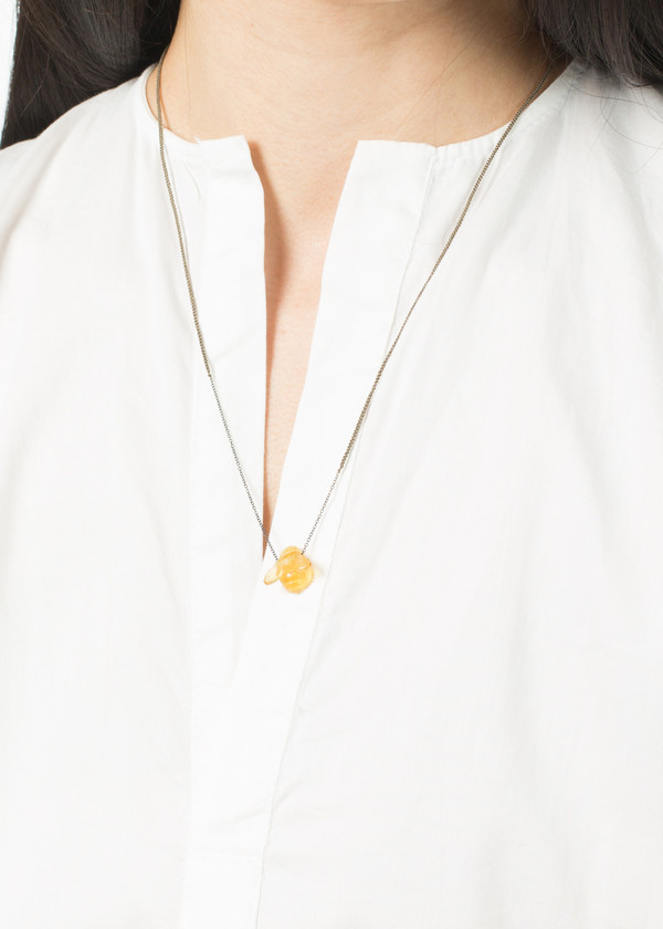Dosa Bee Amber Necklace