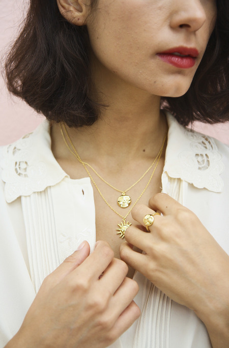 Eyland Mimas moon necklace - gold