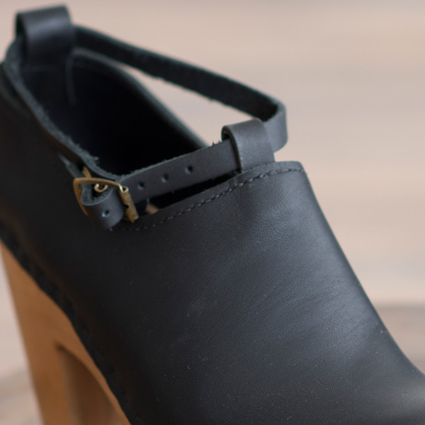 No. 6 Classic Shoe on High Heel Black - SOLD OUT