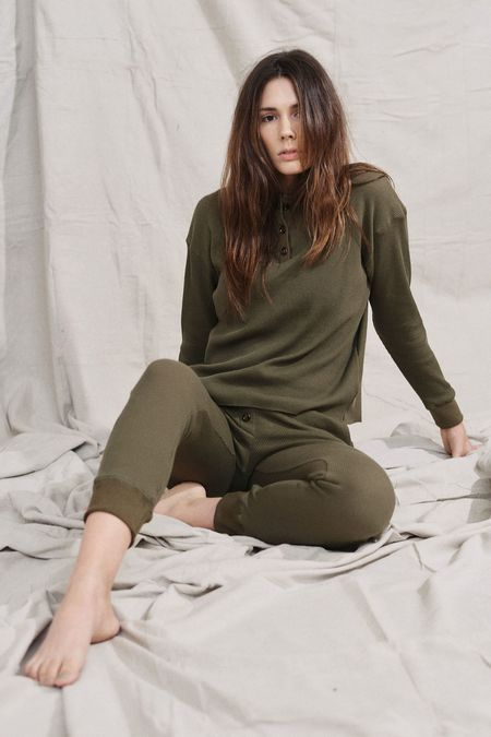 Donni. Donni Henley Sweatpant - Olive