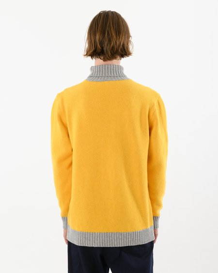 Country of Origin Turtle Contrast Lambswool sweater - Yellow