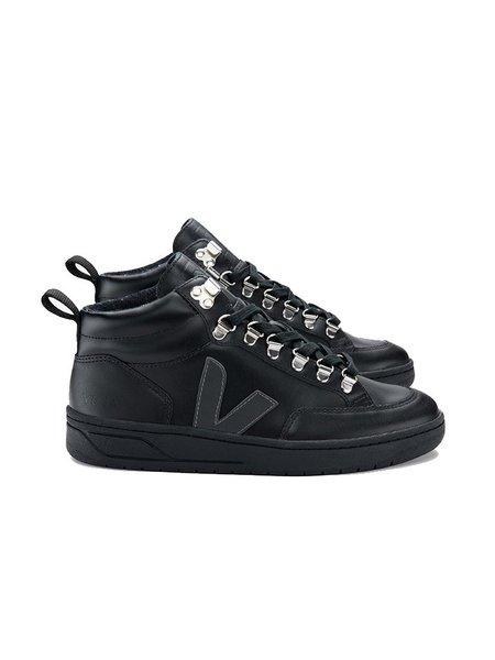 VEJA Roraima Sneakers - Triple Black