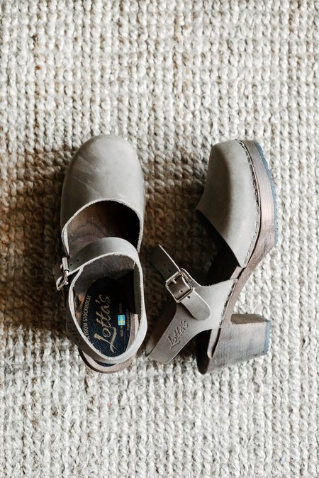 Sunday Supply Co. Highwood Clogs - Taupe Brown