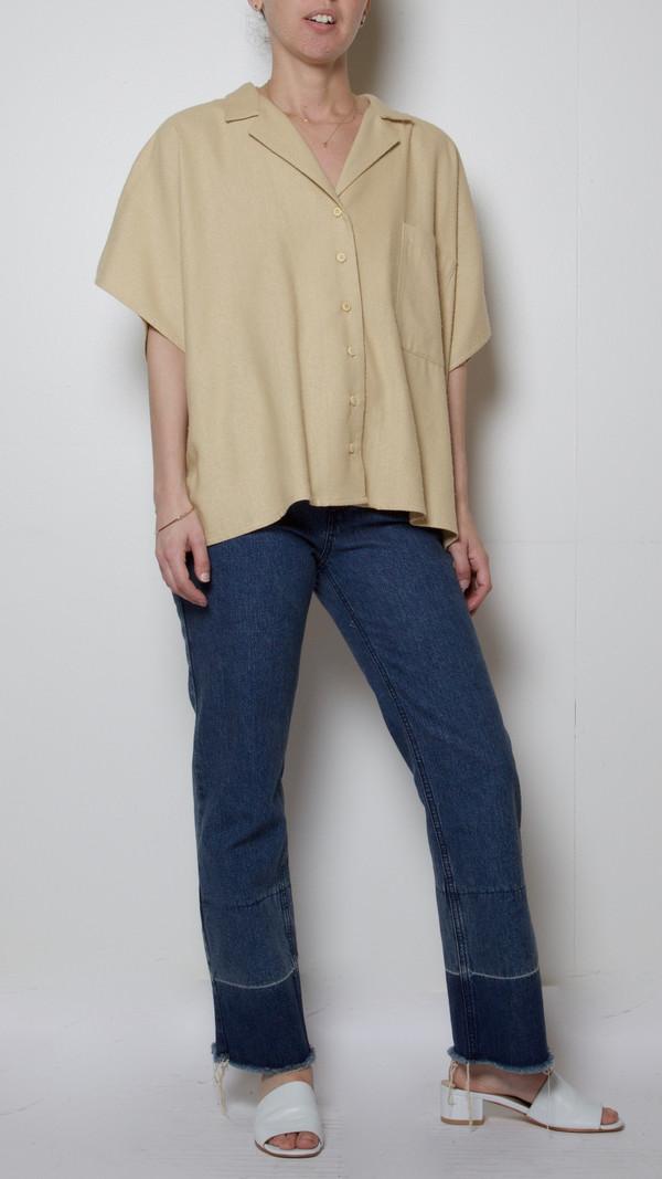 Baserange Sevinc Sleeveless Shirt in Sand