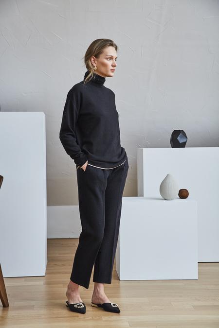 Maison De Ines PINTUCK WOOL PANTS - Black