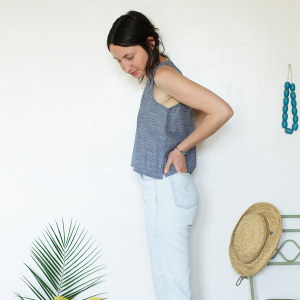 Me & Arrow Basic Short Tank Dot Chambray