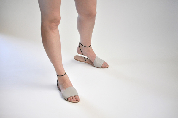 The Palatines Refero Sandal - beige leather w black elastic