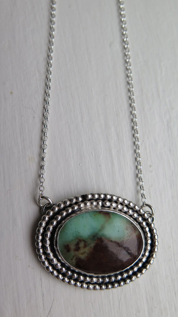 Miskwill Oval chrysoprase necklace