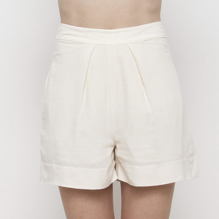 7115 apparel Pleated Shorts SS15 - Cream