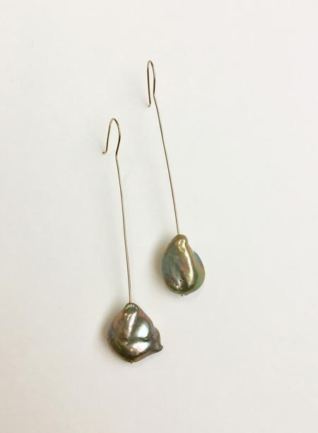 Bartleby Objects Nori Pearl Long Earring - Green