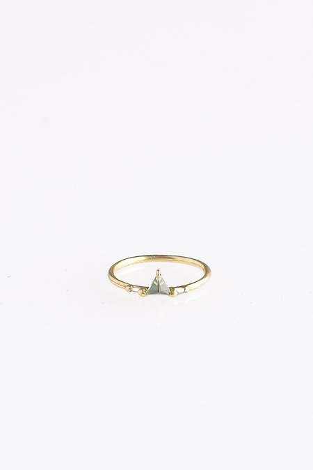 Polly Wales GREEN SAPPHIRE AND DIAMOND DRAGON TOOTH HALO RING