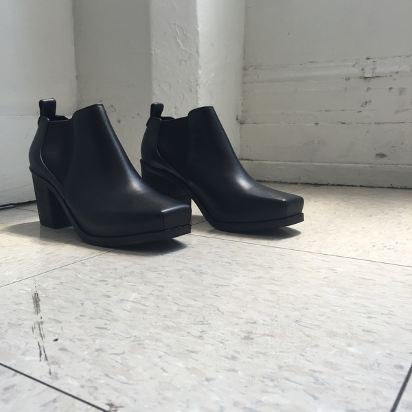 Intentionally Blank HARPER BOOT BLACK LEATHER