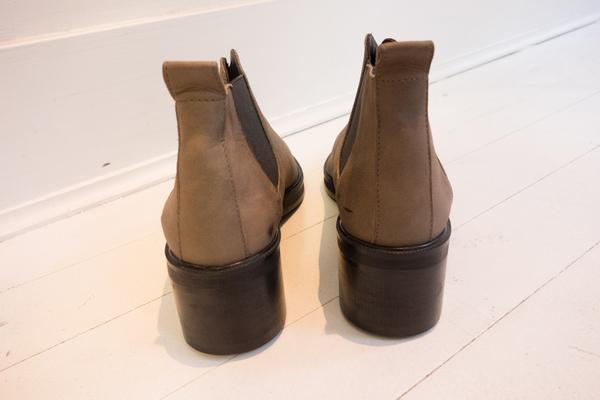 Won Hundred Three Boots