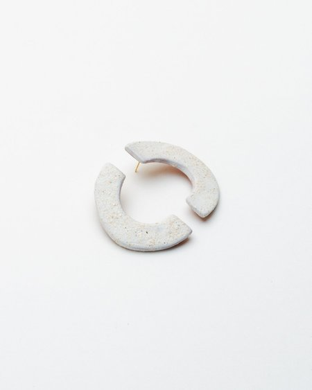 Pedrusco Calipso Earrings - 18k gold/White Texture