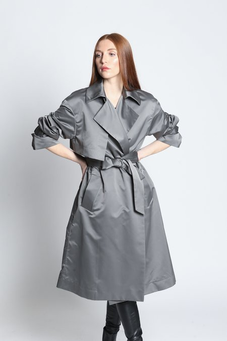 Privé Silk Trench Coat - Pewter