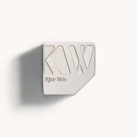 Kjaer Weis Foundation Compact - Illusion