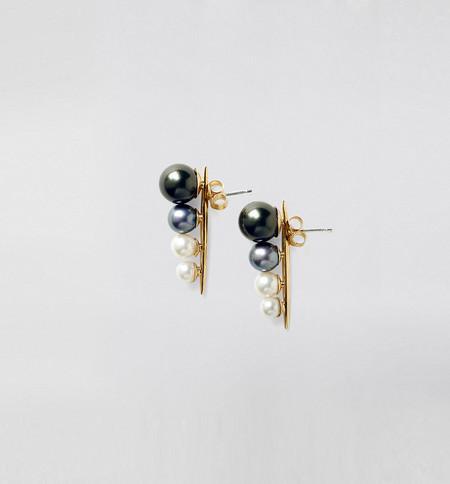 Bel & Skar Ombre Pearl Ear Crawler
