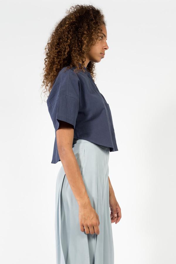 7115 by Szeki Pocket Cropped Shirt