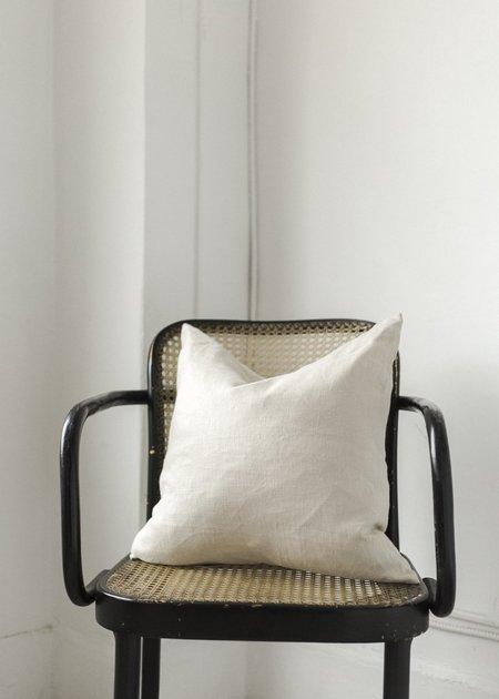C+L Finds Linen Cushion Covers