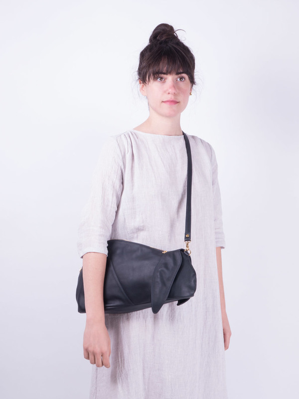 Welcome Companions Hare Shoulder Bag