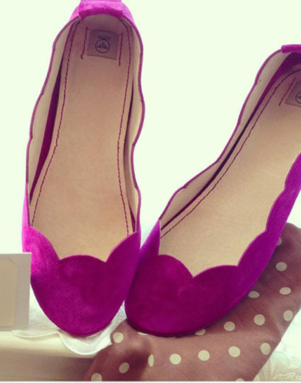 Ele - Pink Scalloped Suede Flat Pump