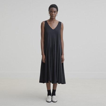 Kowtow Volume dress - black