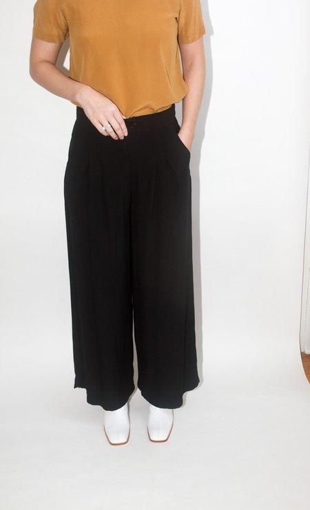 Rita Row Pleated Pant - Black
