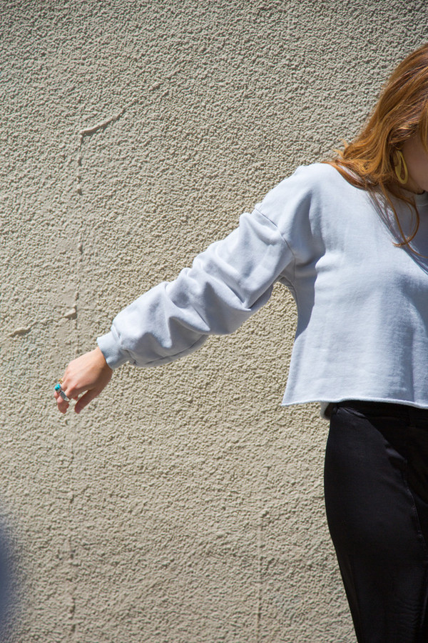 lacausa cropped raw pullover